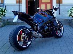 Street Fighter Motorcycle, Cool Motorcycle Helmets, Cool Motorcycles, Motorcycle Design, Hayabusa Streetfighter, Suzuki Hayabusa, Cafe Racer Moto, Cafe Racing, Gsxr 1300