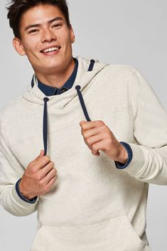 The relaxed style, embroidered logo and contrasting colour details give this hoodie its look. Mens Sweatshirts, Hoodies, Latest Fashion, Mens Fashion, Man Child, Fashion Accessories, Colour, Logo, Children