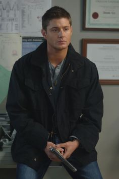 <3 Dean ...just sittin' there...looking perfect  #Supernatural