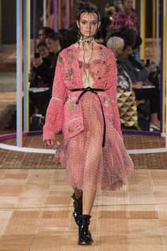Alexander McQueen Spring/Summer 2018 Ready-To-Wear Collection