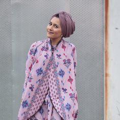 - Impressive collection of dina tokio hijab fashion ideas for modern women Impressive collection of dina tokio hijab fashion ideas for modern women Girl Hijab, Hijab Outfit, Modest Fashion, Hijab Fashion, Dina Tokio, Turban Style, Tokyo Fashion, Muslim, Modern Women