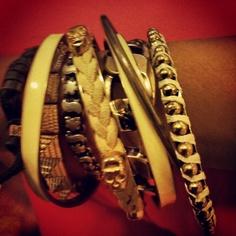 Mixed hand bands