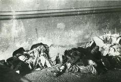La explosión del 'Cabo Machichaco' | Imagen 6 Restos destrozados de las víctimas, que acudieron a ayudar o simplemente a contemplar el incen...