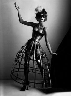 "segunda-feira, 21 de setembro de 2009  ""Anita Berber"" por Karl Lagerfeld"