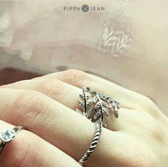 Funkeln mit Pippa&Jean Wedding Rings, Engagement Rings, Jewelry, Fashion, Enagement Rings, Moda, Jewlery, Jewerly, Fashion Styles