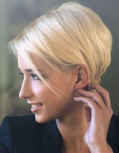 Looking for a new hairstyle? Visit our website today to discover the top 50 most beautiful and loved hairstyle ideas for women with short hair.