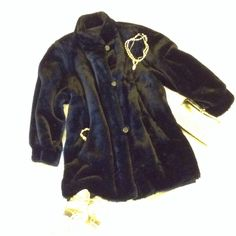Vintage Hollywood Glam Faux Fur Coat This is a beautiful mid century vintage coat reminiscent of old Hollywood glam! The swing coat is in excellent condition with no tears rips or stains. The lining is clean and has all the buttons. J. Percy Jackets & Coats Pea Coats