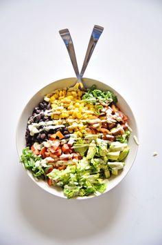 Chopped Southwestern Salad with Back Beans and Avocado Dressing (Vegan) Healthy Salad Recipes, Vegan Recipes, Delicious Recipes, Vegan Avocado Dressing, Backed Beans, Southwestern Salad, Legumes Recipe, Vegan Main Dishes, Chopped Salad