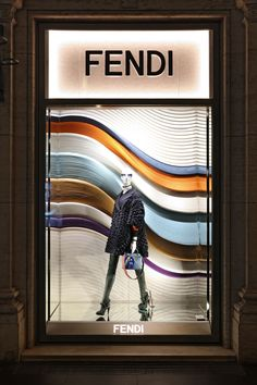 The Fendi Fall/Winter 2016 gravitational waves have hit the windows of Palazzo Fendi in Rome.