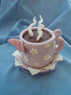 Lilac coffee cup mini cake