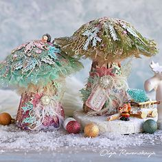 Winter Fairy Mushrooms - Home Decor with Olga Ravenskaya Mushroom Crafts, Mushroom Decor, Mushroom Art, The Magic Faraway Tree, Mixed Media Tutorials, Art Tutorials, Winter Fairy, Different Shapes, Hello Everyone