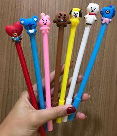 Cute School Stationary, School Stationery, Cute Stationery, Mochila Do Bts, Cute Pens, Pen Collection, School Accessories, Cute School Supplies, Bts Merch