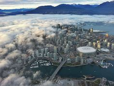 Thumbs Up: Fog rolling in over Vancouver!