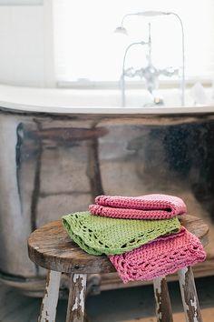 Ravelry: Luxurious Washcloths pattern by Melanie Galloway