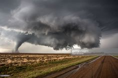 Three tornadoes at once near Dodge City, Kansas, May 24 Tornados, Thunderstorms, Severe Weather, Extreme Weather, Natural Phenomena, Natural Disasters, Storm Chasing Tours, Tsunami, Storm Photography
