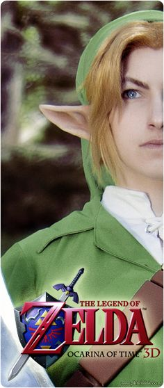 A Link cosplay.