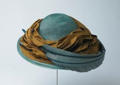 Hat made of horsehair, silk and swan feathers, 1909 - 1914