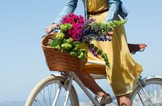 would love to live where i can ride my bike next to the ocean and get fresh flowers to fill my bike basket