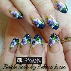 #nails #NailArt #nailsalon #onestroke #painting nails by #nail_artists_uk  #midland #educator @eckyb @nail_artists_uk #training #courses http://bit.ly/1RUpFqB by nail_artists_uk
