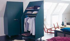 Schrägenschrank - Auch eine Idee: Ein #mobiler #Kleiderschrank, der unter eine #Dachschräge passt