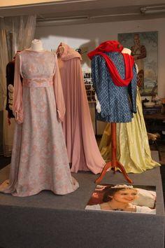 Kostýmy z pohádky Tři oříšky pro Popelku.