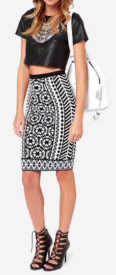 With an entrancing print and a comfortable fit, the Design Intervention Black and White Print Pencil Skirt is a must-have styling piece! An ...