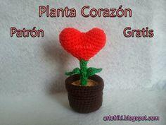 Planta Corazón Amigurumi -  Patron Gratis en Español aquí: http://artefriki.blogspot.com.es/2015/01/planta-corazon-patron-gratis.html