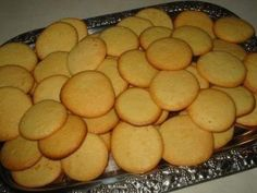 Cookies Recipes 'Eierplätzchen' … as in Muddern … (Childhood Memories) 44 ratings – … Dessert Oreo, Cookie Desserts, Cookie Recipes, Snack Recipes, Dessert Recipes, Snacks, No Egg Cookie Recipe, No Egg Cookies, Yummy Cookies