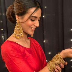 Asian Wedding Dress Pakistani, Pakistani Girl, Pakistani Actress, Pakistani Dresses, Pakistani Suits, Indian Bridal, Indian Wedding Photography Poses, Photography Poses Women, Girl Photography