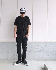 #street #minimal #simple #alternative #normcore #modern #urban #casual #black #allblack #cap #baseballshirts #layer #oversize #skinnyjeans #sneakers #streetstyle #streetfashion #mensstyle #mensfashion #blackfashion #blackstyle #japanese