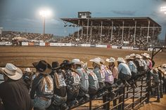 Over 100 of the best Dude Ranches & Guest Ranch vacations. Enjoy the perfect wild west experience, including horseback riding, hiking, fishing & more. Cute Country Boys, Country Life, My Horse, Horse Girl, Country Family Photography, Rodeo Events, Ranch Vacations, Barrel Racing Horses, Horse Show Clothes