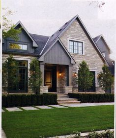 love the combination of materials and landscaping