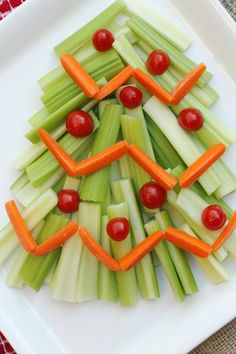 Cutest Holiday veggie tray! Totally doing this for J's snack day.... the kids will be stoked!!!;)