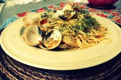 pasta with clams and anchovies!     for the recipe click on the photo!