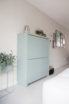 Home Decorators Hazelwood Mo Info: 6577209489 Cute Furniture, 3d Interior Design, Living Room Interior, Storage Shelves, House Colors, Colorful Interiors, Home And Living, Interior Inspiration, Sweet Home