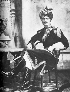 A handsome British officer from 11th Bengal Lancers in Indian outfit, c. 1890. When I first saw this photo, all I could say was: well, that's a really stylish and dashing young officer!