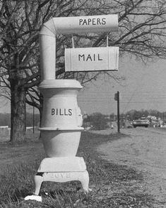 Lol well thats interesting and I think how we all feel about bills 😂 Funny Mailboxes, Unique Mailboxes, Custom Mailboxes, Painted Mailboxes, Vintage Mailbox, Diy Mailbox, Mailbox Post, Rural Mailbox Ideas, Mailbox Decorating