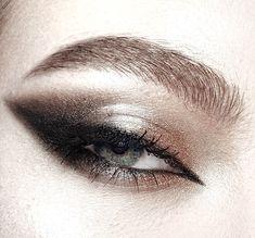 Unique Makeup, Pretty Makeup, Makeup Inspo, Makeup Inspiration, Blue Dress Makeup, Black Lipstick, Gothic Makeup, Pretty Eyes, War Paint