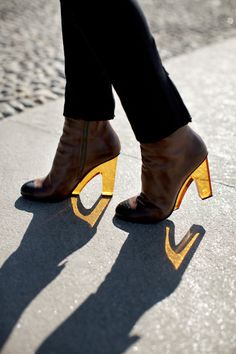 Dries Van Noten yellow plexi heels,,,,,,, I think they're ugly but Im really liking the shadow. Its neat
