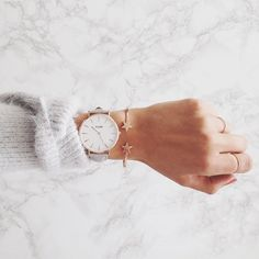 The rose gold Cluse watch is just so much perfect Marble Collection, Merry Christmas Love, Rose Gold Color, Diamond Are A Girls Best Friend, Cool Watches, Fashion Watches, Women's Fashion, Women's Accessories, Jewelry Watches