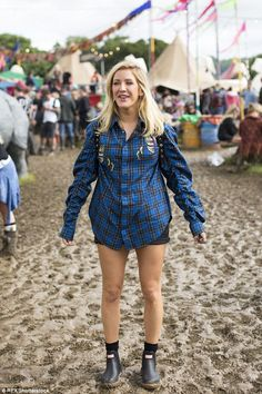 Just a tad oversized? Ellie's large shirt seemed to swamp her petite frame...