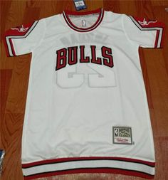 Chicago Bulls Mitchell and Ness #23 Michael Jordan white legendary Jersey