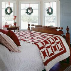 Nice 55 Cozy Cheerful Farmhouse Christmas Bedroom https://homeastern.com/2017/09/10/55-cozy-cheerful-farmhouse-christmas-bedroom/