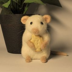 needle felted mouse 25.00