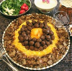 کلم پلو با گوشت قلقلی ( شیراز ) Iranian Dishes, Iranian Cuisine, Afghanistan Food, Persian Desserts, Kurdish Food, Iran Food, Egyptian Food, Food Garnishes, Food Decoration