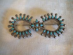 Old Vintage ZUNI Sterling Silver & TURQUOISE Petit Point Needlepoint PIN Brooch
