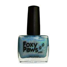 Before The Parade Passes By je jasně modrý holografický lak na nehty. Růčně vyrobený lak na nehty z Dánska. 11 ml