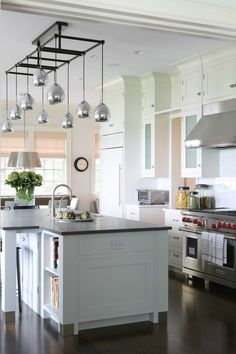 Obsessed with this pendant lighting.