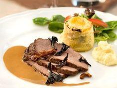 Tänk på att börja i tid med denna rätt eftersom köttet blir bäst om det får marinera i tolv timmar. Venison, Beef, Sous Vide, Chutney, Steak, Bakery, Food Porn, Pork, Mad