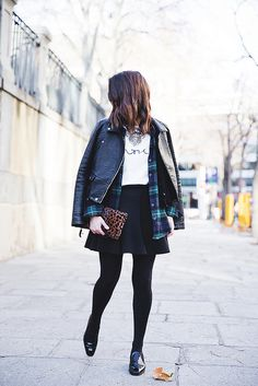 Leopard_Clutch-Clare_Vivier-Mixing_Prints-Outfit-Street_Style-23 by collagevintageblog, via Flickr